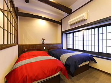 SHIGURE. Semi Japanese style room with semi open-air bath